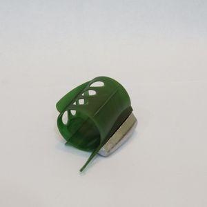 Кормушка фидерная BOMBER малая 080г
